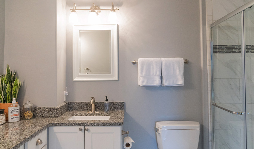 What Is The Best Paint Color For A Small Bathroom