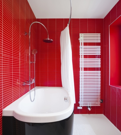 Decoraing with Red: Bathroom