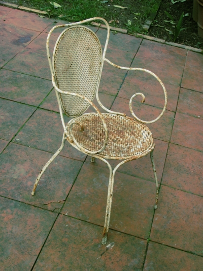 Outdoor Patio Furniture Care: Wrought Iron