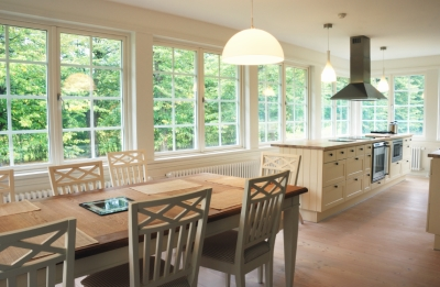 Kitchen with Spacious Windows to Highlight the Yard
