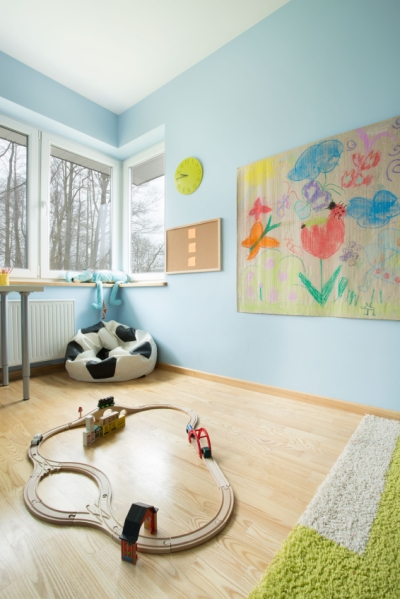 Childs bedroom with blue painted walls