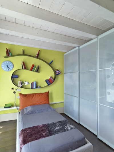 Cool bookcase for teen room